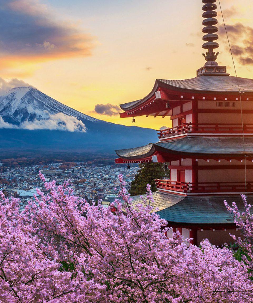 Beautiful landmark of Fuji mountain and Chureito Pagoda with che