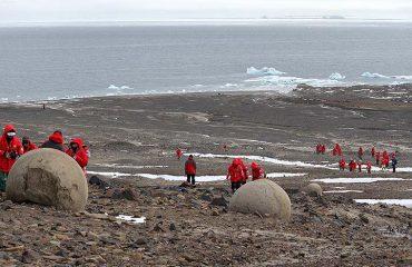 mysterious-stone-spheres-arctic-island-12