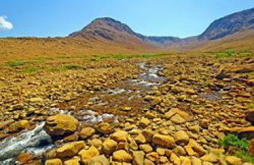 silversea-arctic-cruise-tablelands-gros-morne-national-park-canada