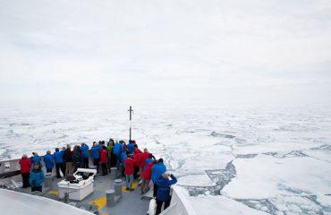 silversea-luxury-arctic-cruises-ice-edge-cruising