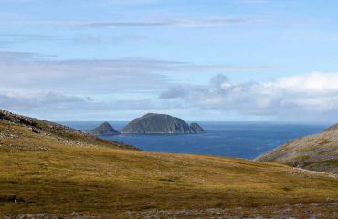 silversea-luxury-cruises-gjesvӕrstappan-island-norway