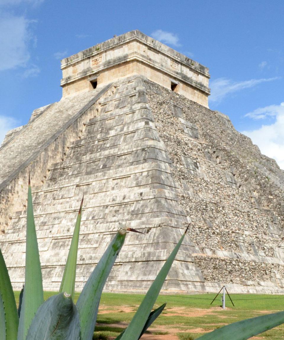 Chichen Itza Pyramid 2